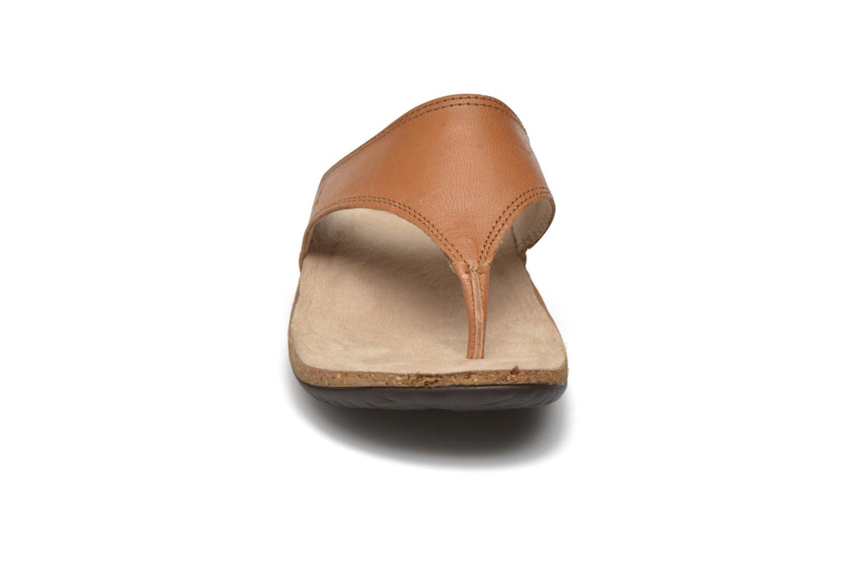 Tongs TBS Babeth Marron vue portées chaussures