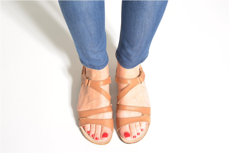 Sandales et nu-pieds TBS Belice Marron vue bas / vue portée sac