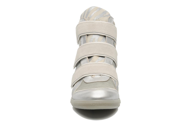 Baskets Pataugas Valent Argent vue portées chaussures