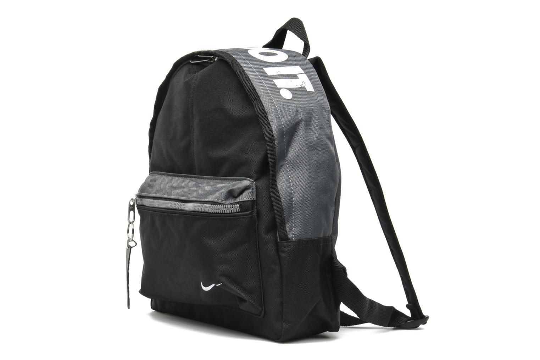 Rucksäcke Nike YA Classic Backpack schwarz schuhe getragen
