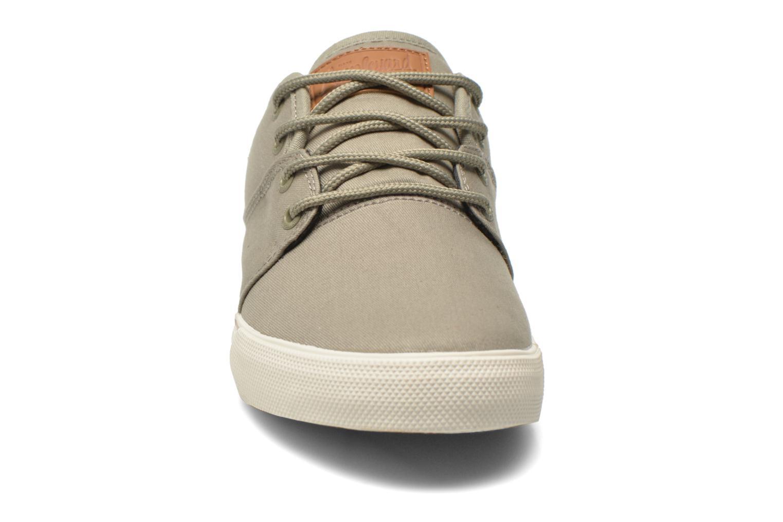 Chaussures de sport Globe MAHALO Vert vue portées chaussures