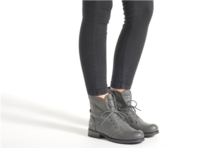 Bottines et boots Mustang shoes Irina Rouge vue bas / vue portée sac