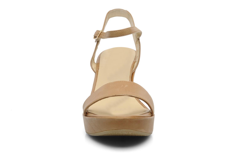 Sandales et nu-pieds Elizabeth Stuart SUZY 303 Beige vue portées chaussures