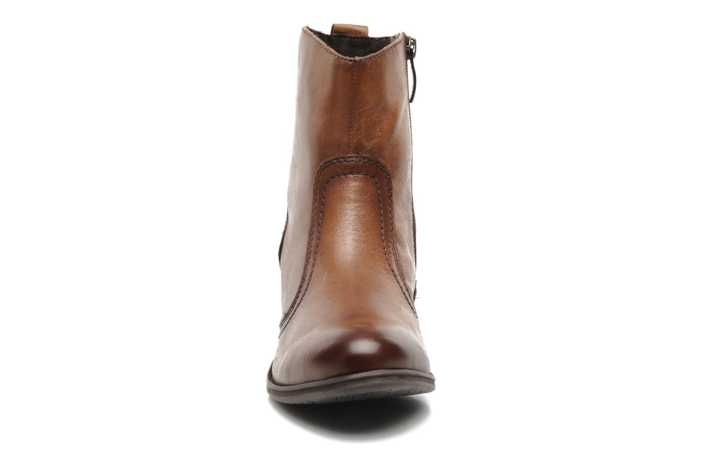 Bottines et boots Tamaris Kaoutl Marron vue portées chaussures