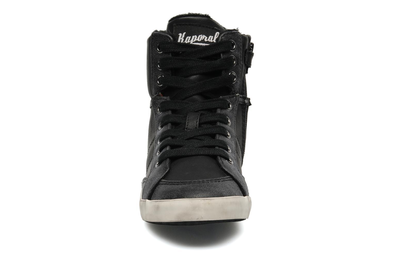 Baskets Kaporal Stello Noir vue portées chaussures