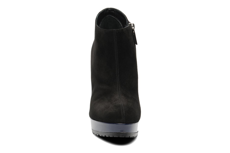 Bottines et boots Vicini Vinot Noir vue portées chaussures