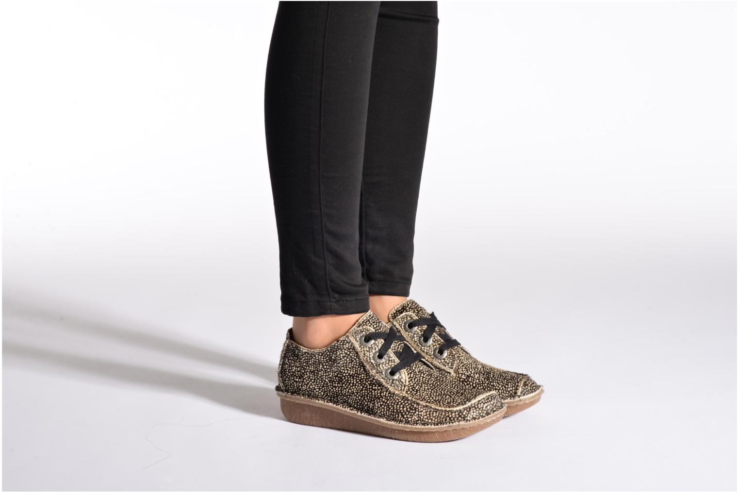 Lace-up shoes Clarks Funny Dream Grey view from underneath / model view