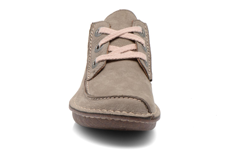 Snøresko Clarks Funny Dream Grå se skoene på