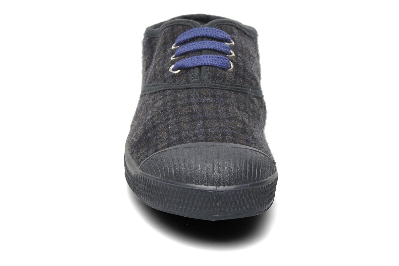 Sneakers Bensimon Tennis Katherine E Grigio modello indossato