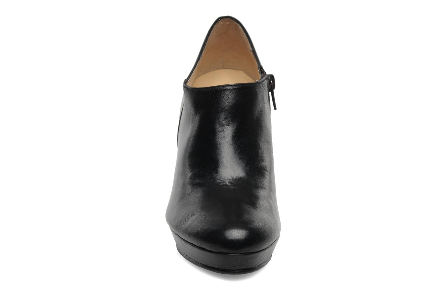 Ankle boots Anna Volodia Anabel Black model view