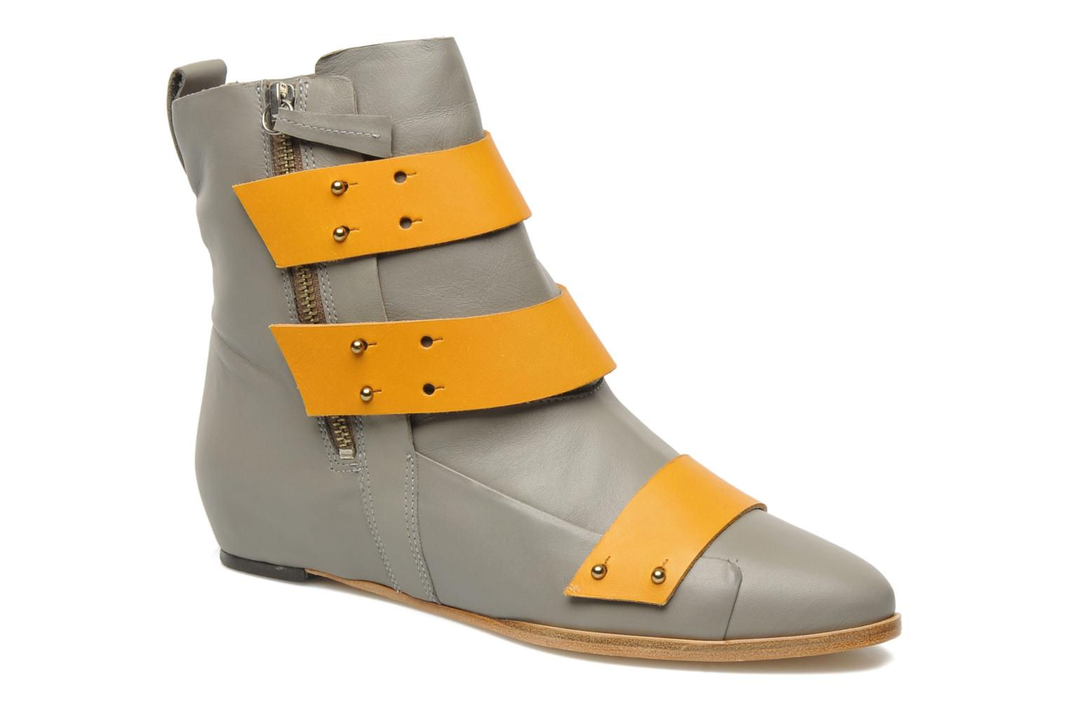 Ankle boots Skin by Finsk Sadie Grey detailed view/ Pair view