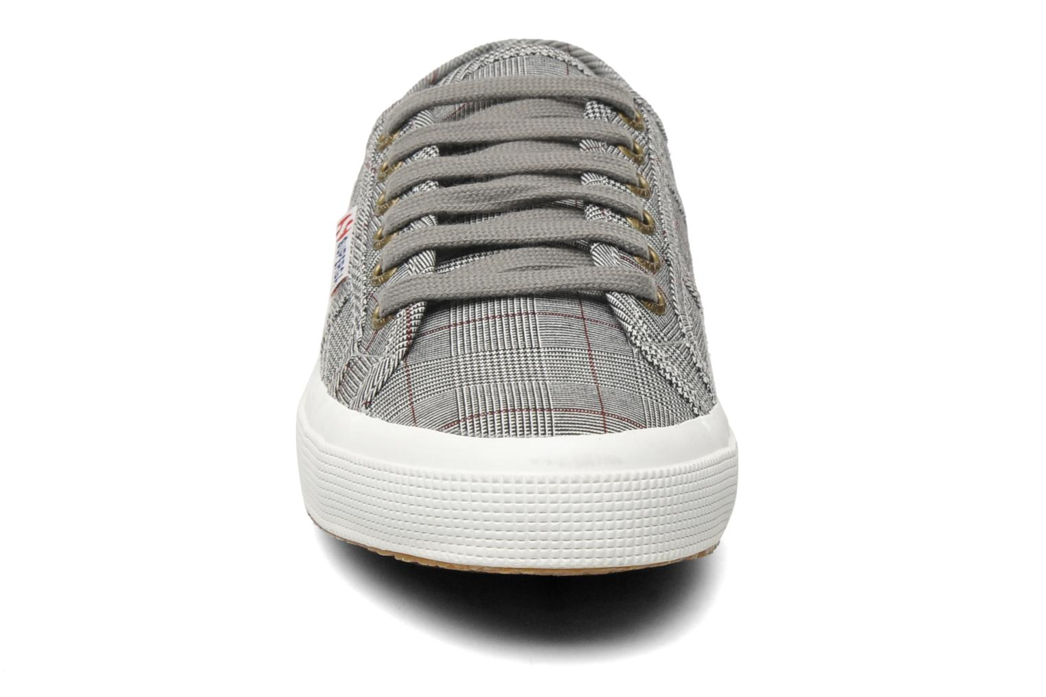 2750 GALLESU Grey-white