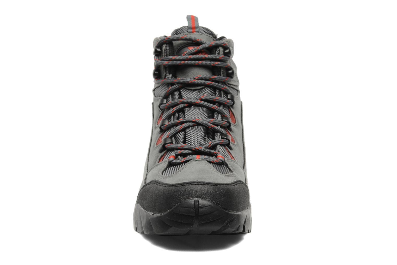 Chaussures de sport Trespass Oscar Gris vue portées chaussures