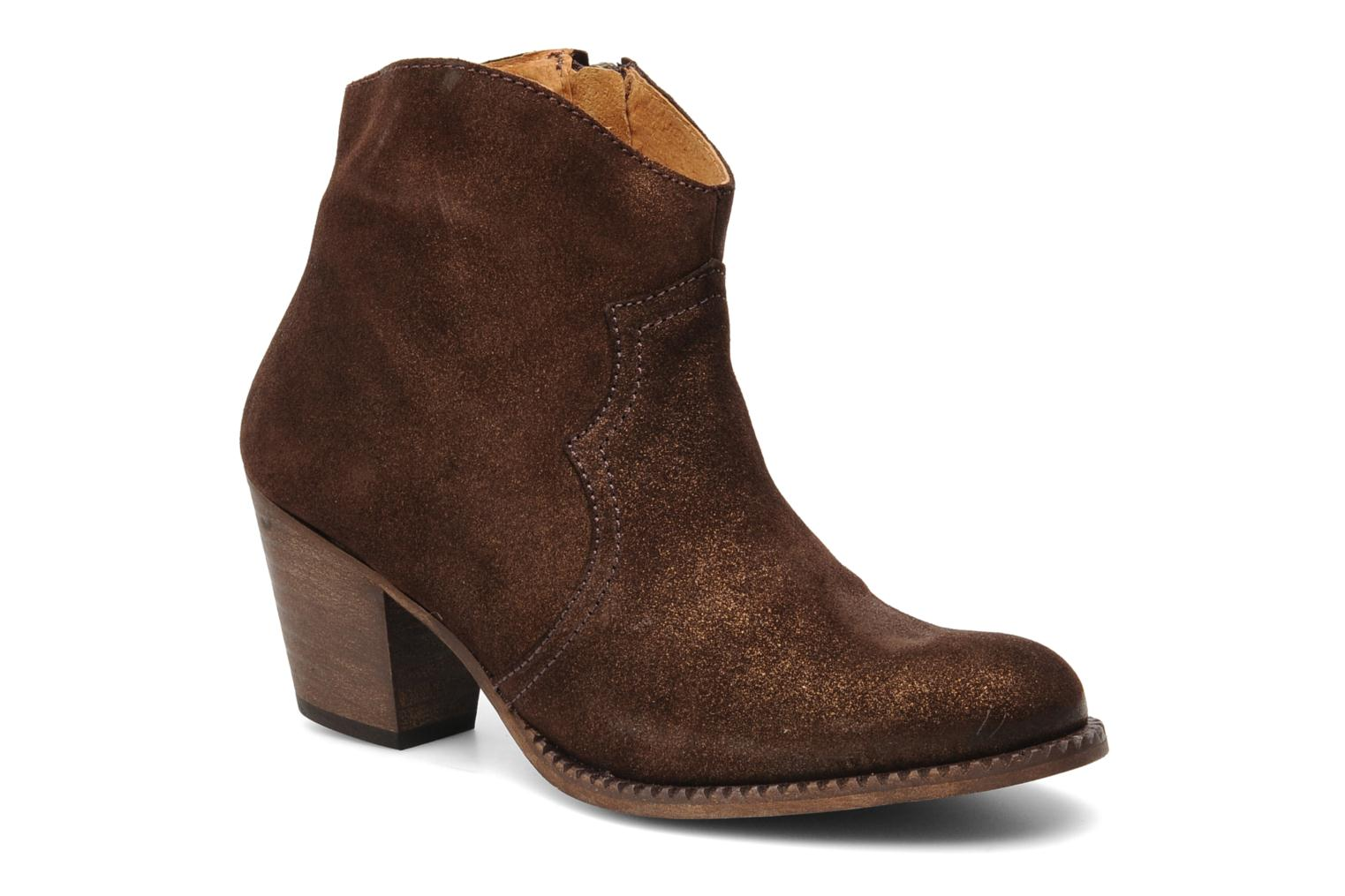 Ankle boots Eden Celil Brown detailed view/ Pair view