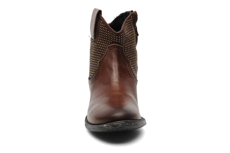 Boots en enkellaarsjes Eden Derya Bruin model