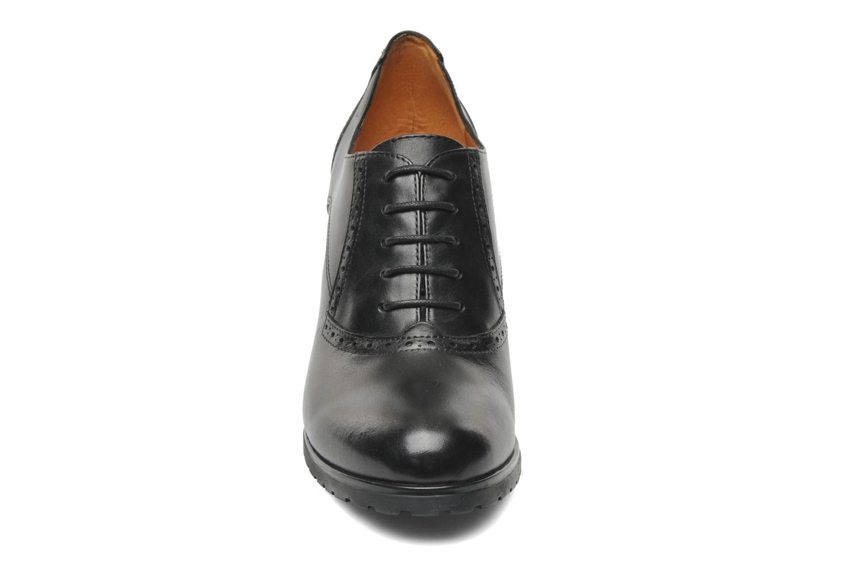 Schnürschuhe Geox D TRISH ABX Q schwarz schuhe getragen