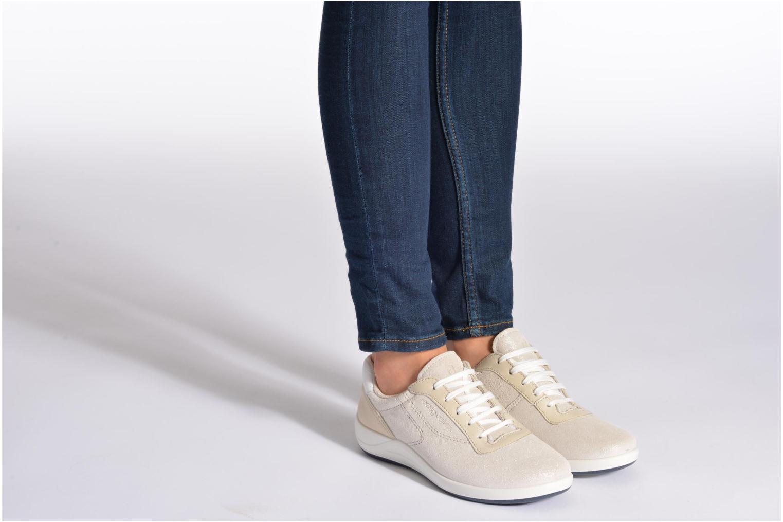 Sneaker TBS Easy Walk Anyway weiß ansicht von unten / tasche getragen
