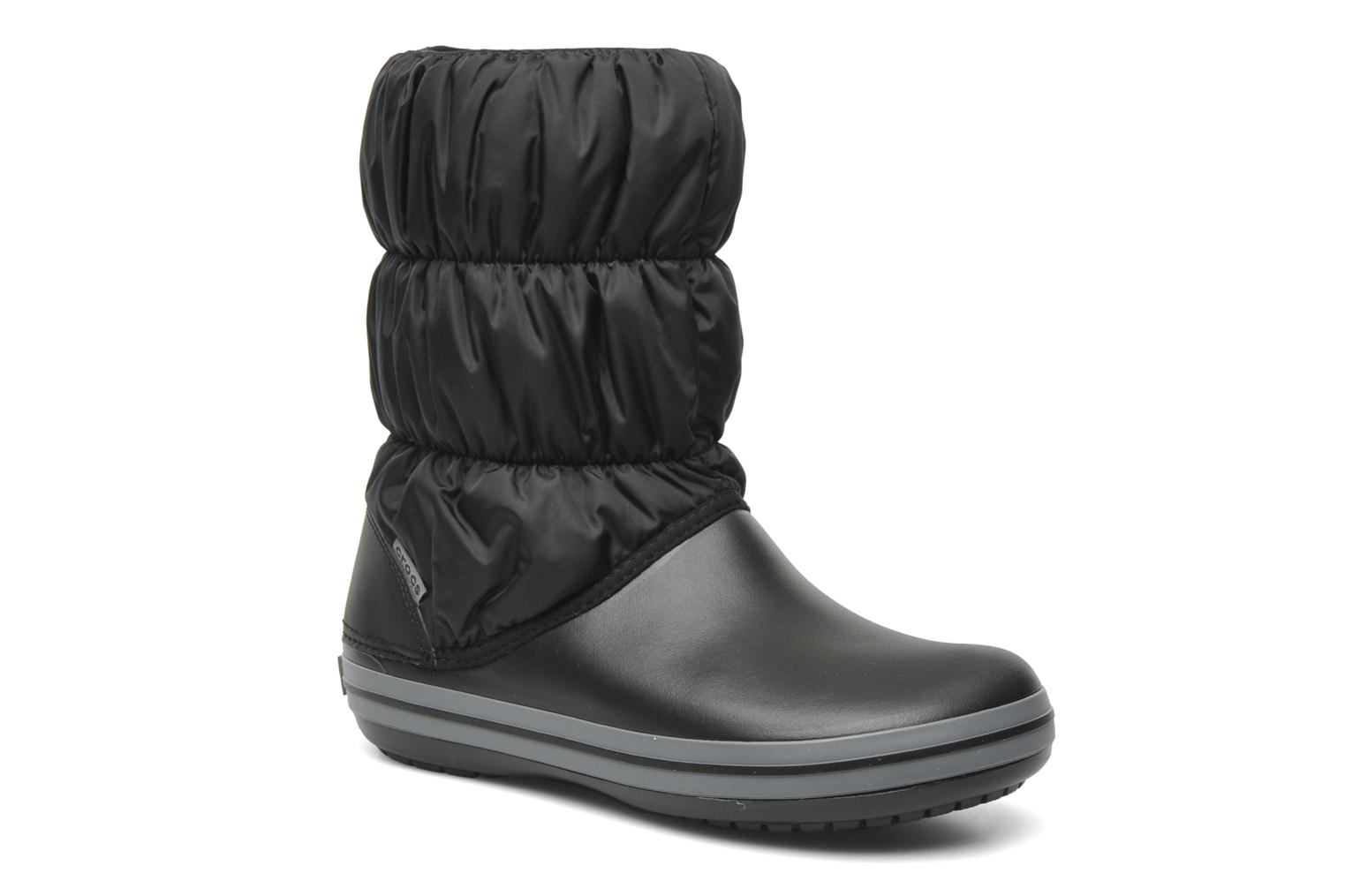 Botines  Crocs Winter Puff Boot Negro vista de detalle / par