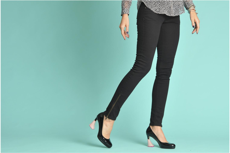 Schuhpflegeprodukte Heelbopps Absatzschoner gelb ansicht von unten / tasche getragen