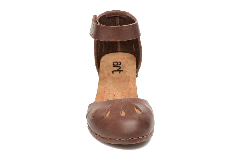 Sandaler Art I Meet 144 Brun bild av skorna på