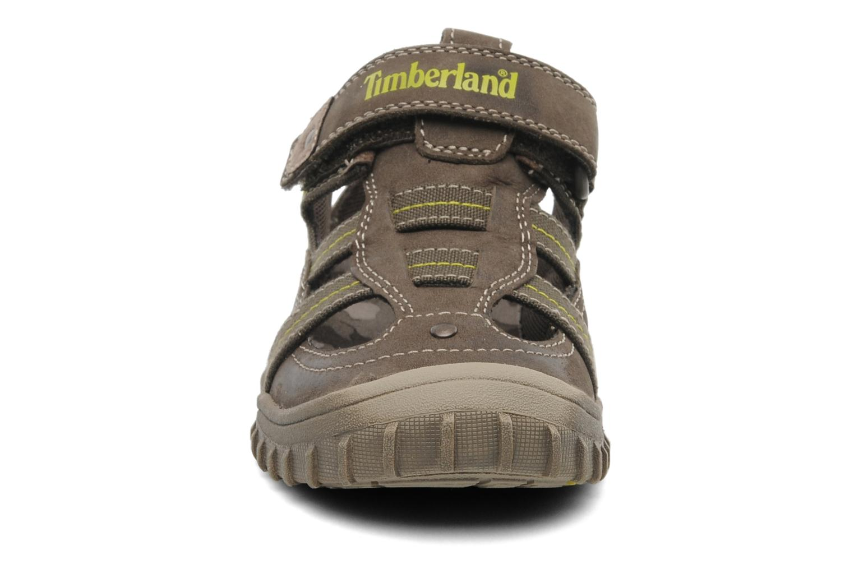 Sneakers Timberland EK Castleton Fisherman Marrone modello indossato