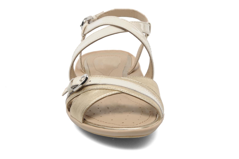 Sandalen Geox D Emelyne D beige schuhe getragen