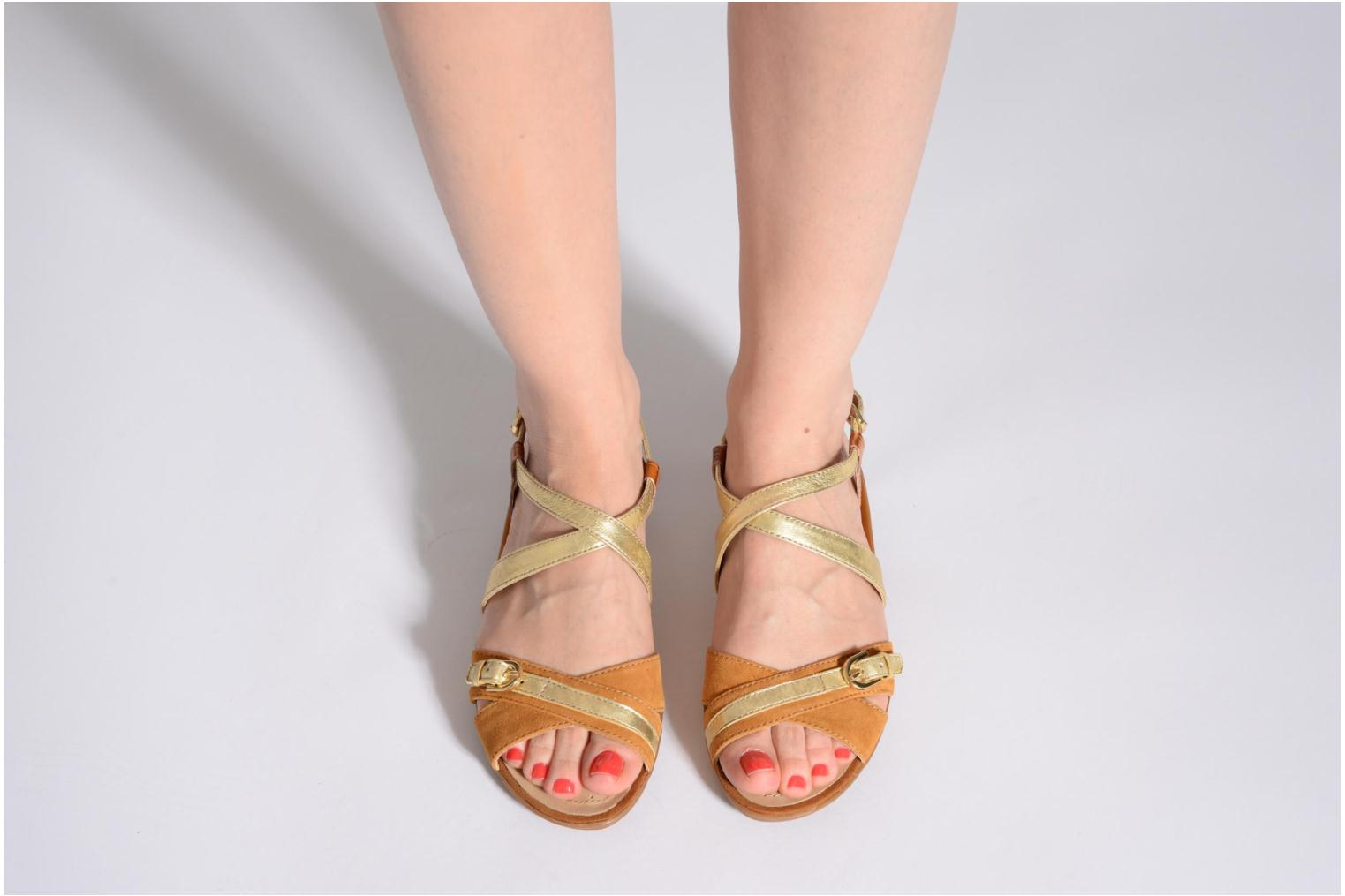 Sandals Geox D Emelyne D Brown view from underneath / model view