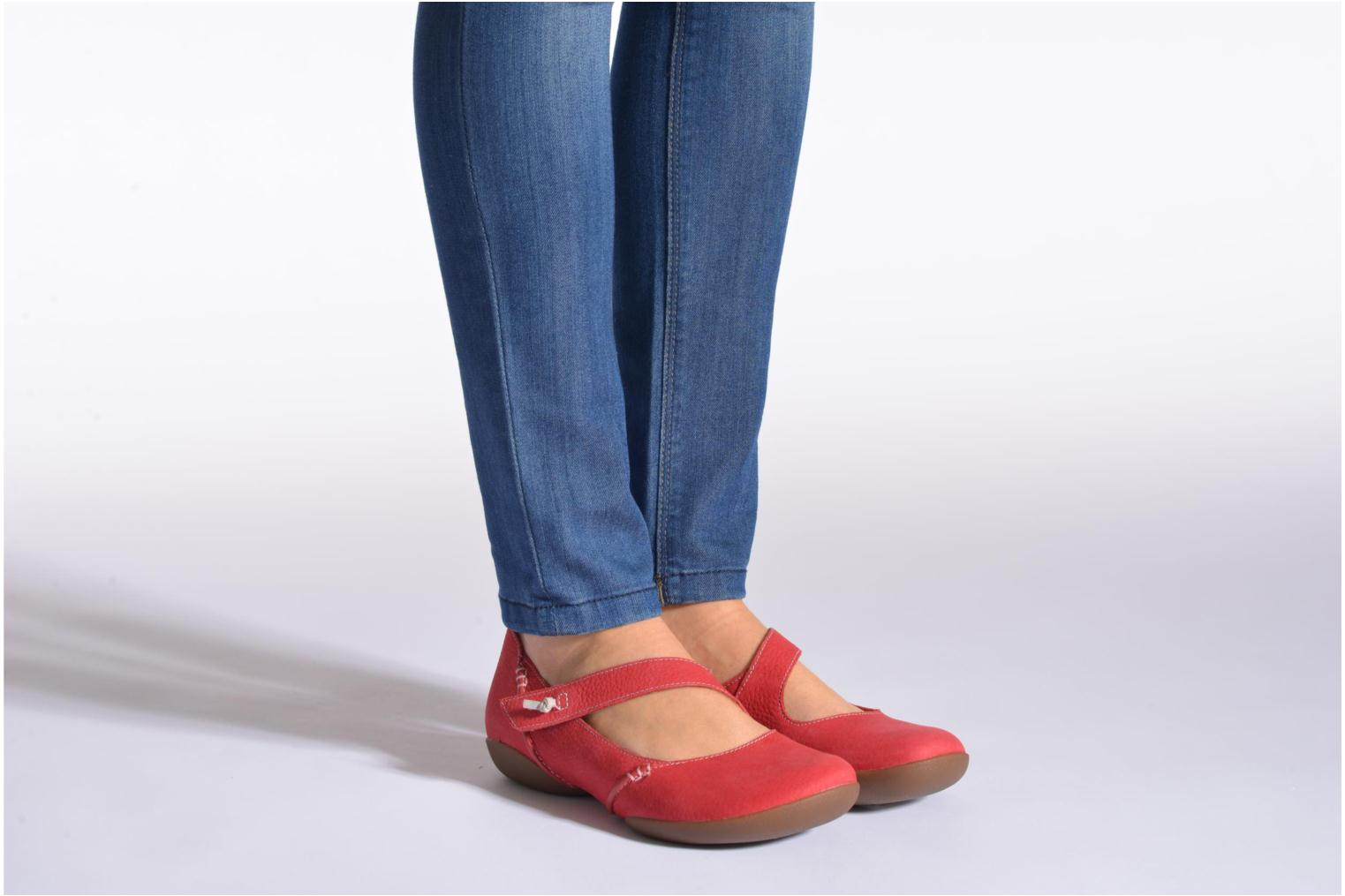Ballet pumps Clarks Felicia Plum Red view from underneath / model view