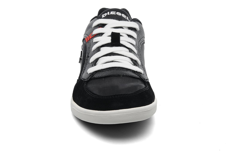 Baskets Diesel Starch Noir vue portées chaussures