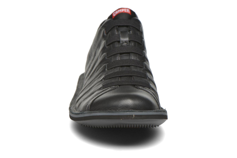 Baskets Camper Beetle 18751 Noir vue portées chaussures
