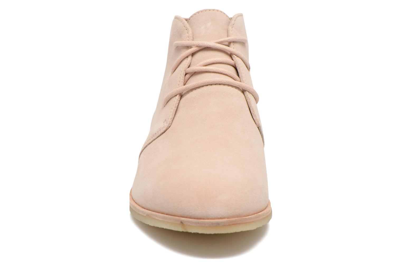 Chaussures à lacets Clarks Originals Phenia Desert Rose vue portées chaussures