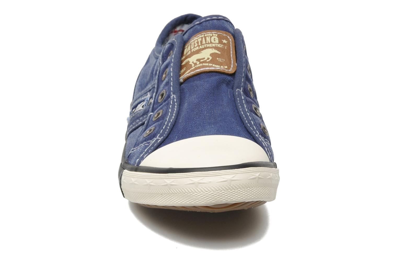 Baskets Mustang shoes Sorala Bleu vue portées chaussures