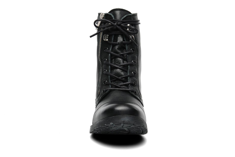 Alodia Black leather