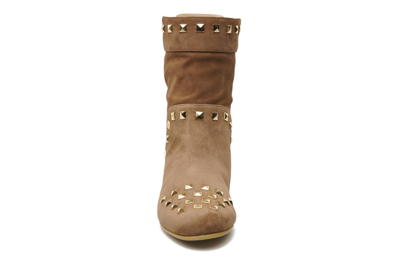 Stiefeletten & Boots Tapeet Kiara braun schuhe getragen