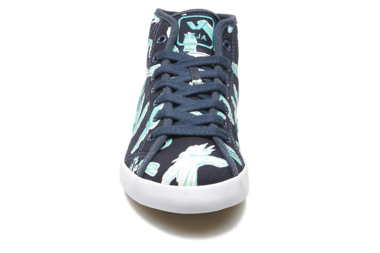 Baskets Veja Taua Mid Bleu vue portées chaussures