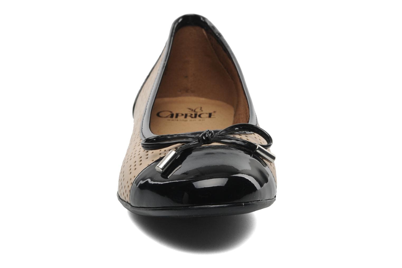 Ballerines Caprice Jamilla Beige vue portées chaussures