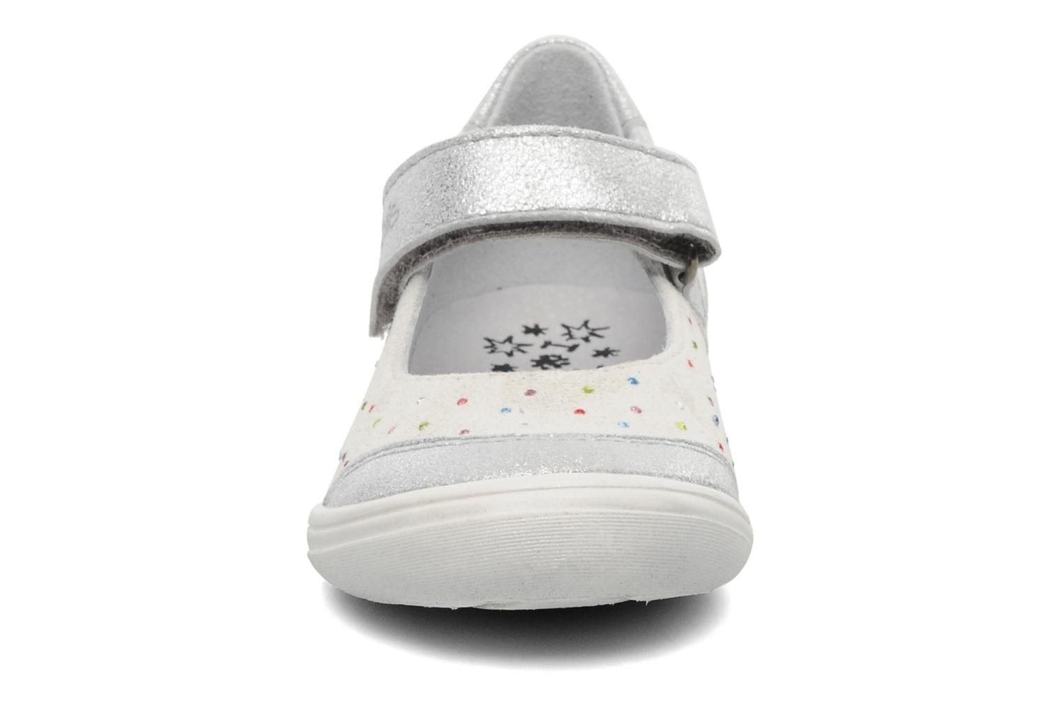 Ballerines Acebo's Peony Blanc vue portées chaussures