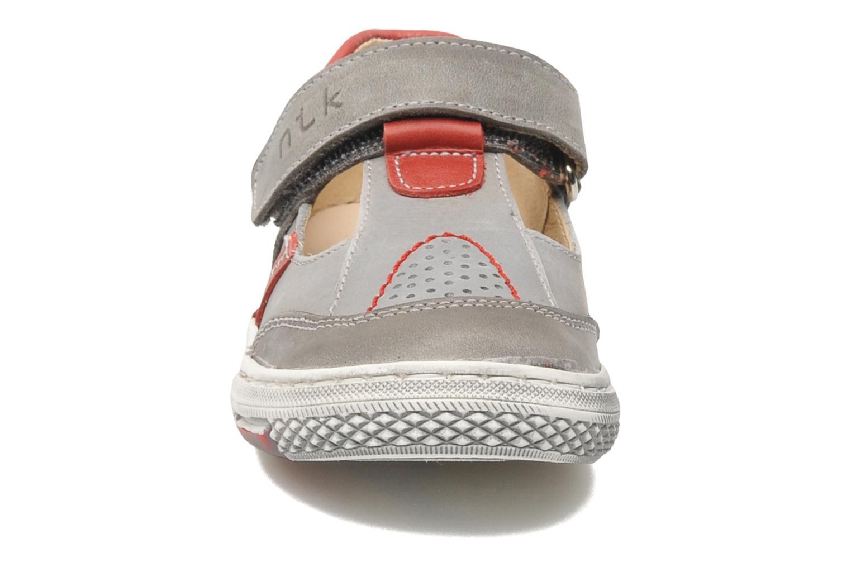 Baskets Natik Adfectatio Gris vue portées chaussures