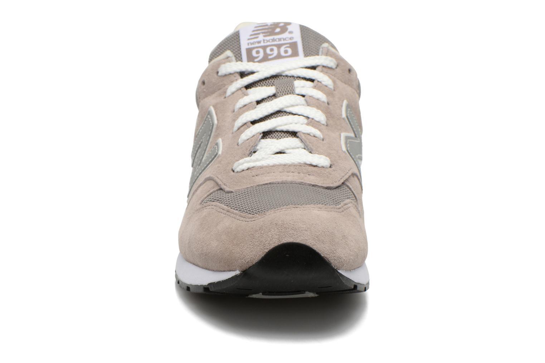 Sneaker New Balance MRL996 grau schuhe getragen