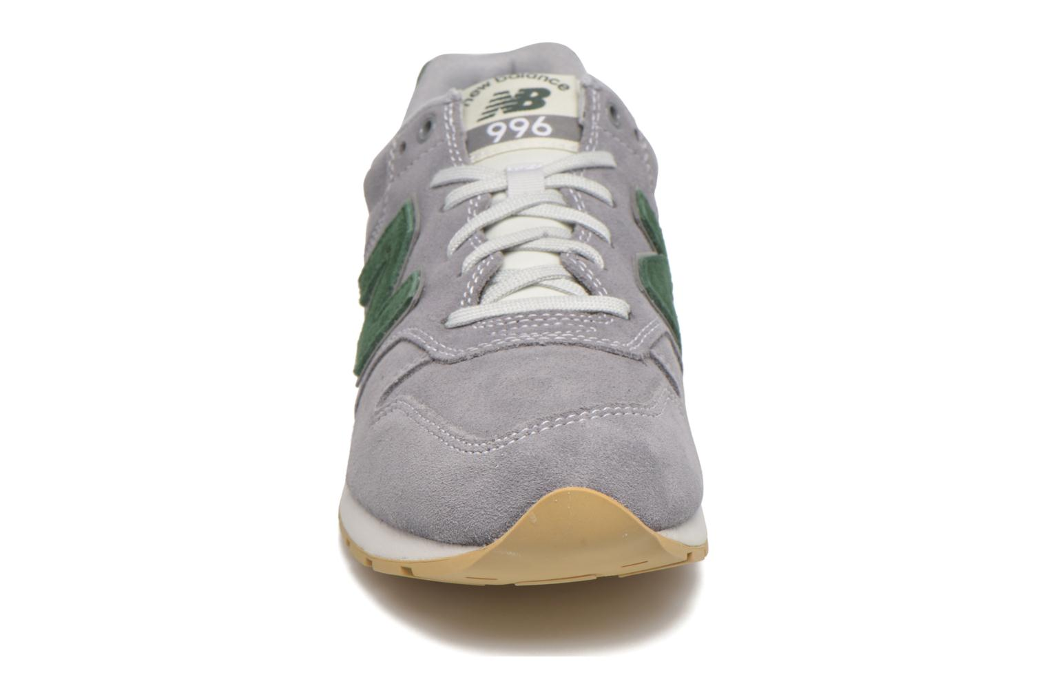 Sneakers New Balance MRL996 Grijs model