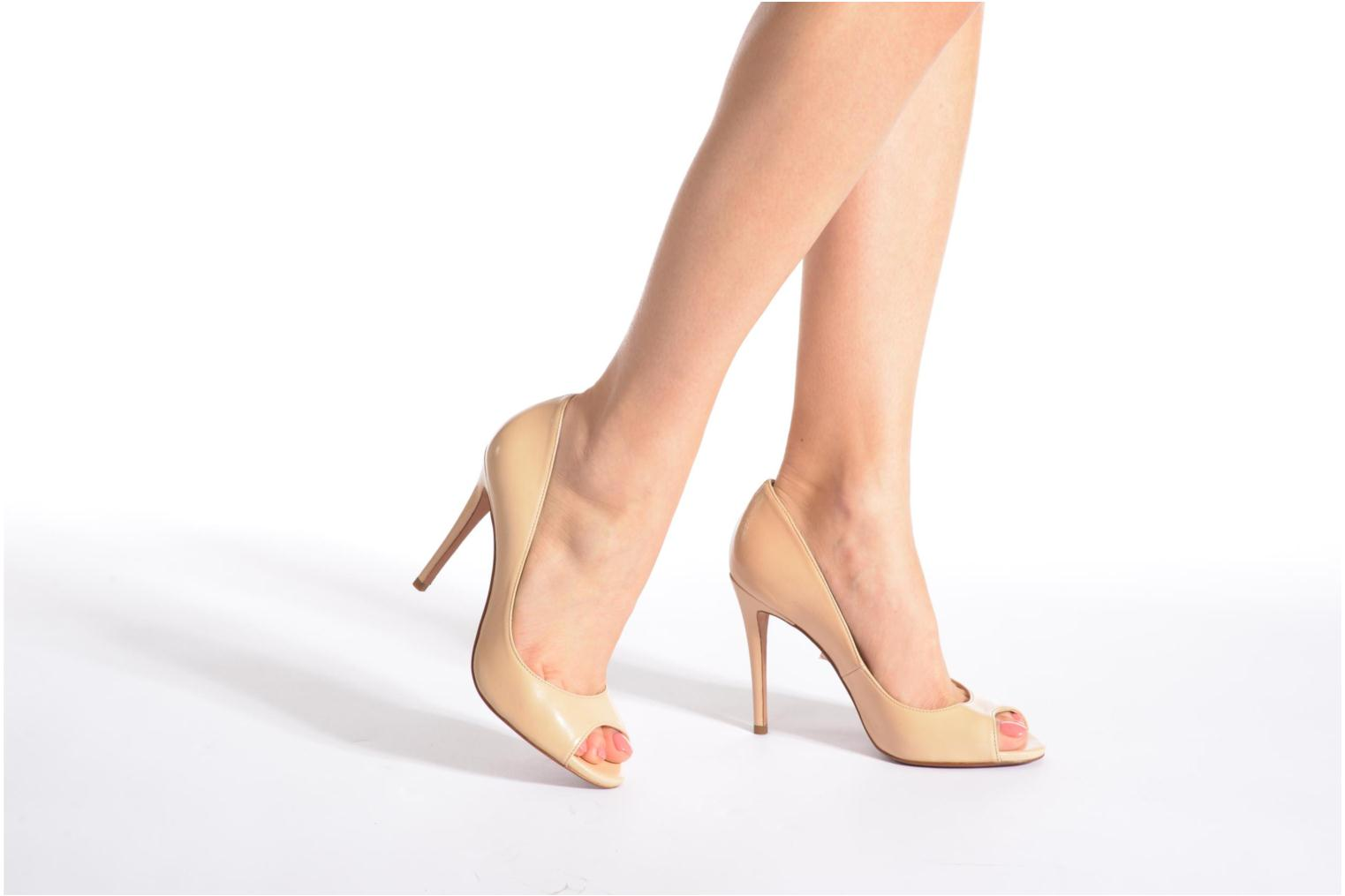 High heels Pura Lopez Gabriella Silver view from underneath / model view