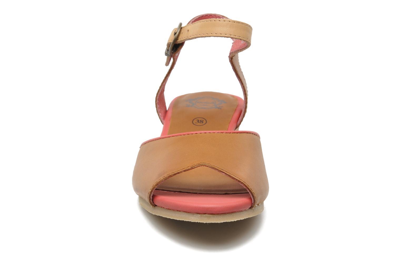 Sandalen Kickers Coco braun schuhe getragen