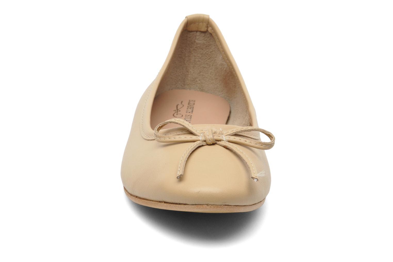 Ballerines Elizabeth Stuart Cesarine 830 Beige vue portées chaussures
