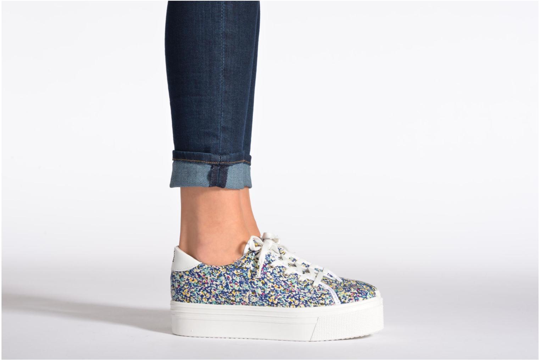 Sneaker No Box Alma weiß ansicht von unten / tasche getragen