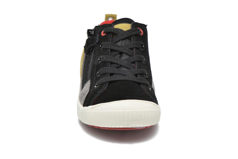 Baskets Kickers Zigzaguer Noir vue portées chaussures