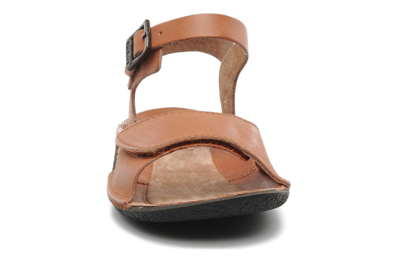 Sandales et nu-pieds Kickers Pepsi Marron vue portées chaussures