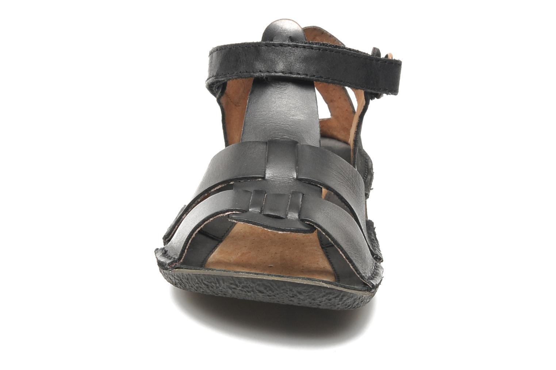 Sandales et nu-pieds Kickers Pipo Noir vue portées chaussures