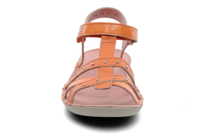 Sandales et nu-pieds Kickers Esmeralda Orange vue portées chaussures