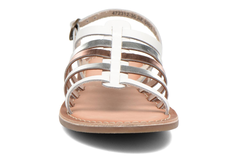 Sandales et nu-pieds Kickers Dixmillion Blanc vue portées chaussures