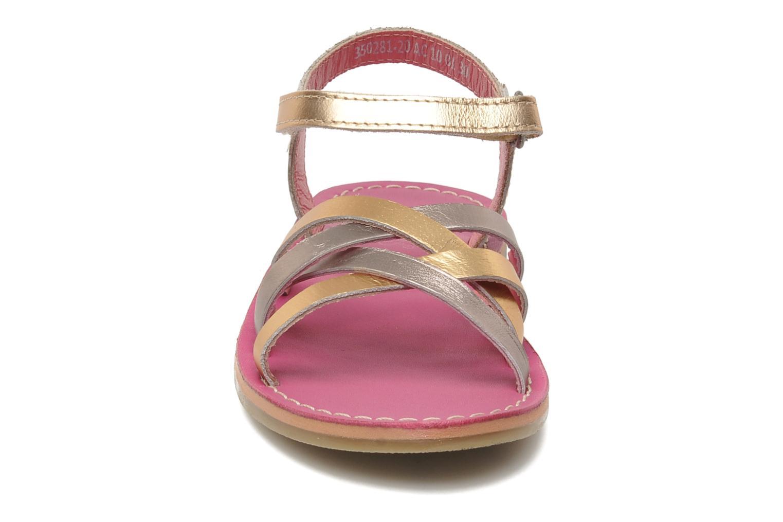 Sandalen Kickers Parallelo gold/bronze schuhe getragen